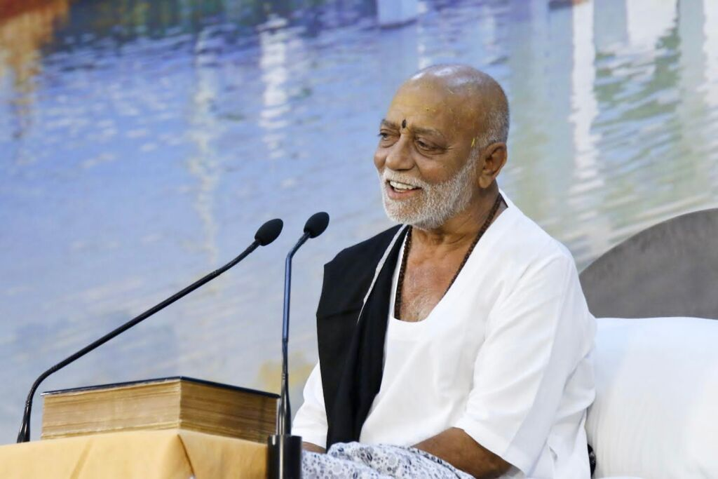 Ramayana's Famous Exponent Morari Bapu Gifts Rs 57 Lakh to the Indian Olympic Squad